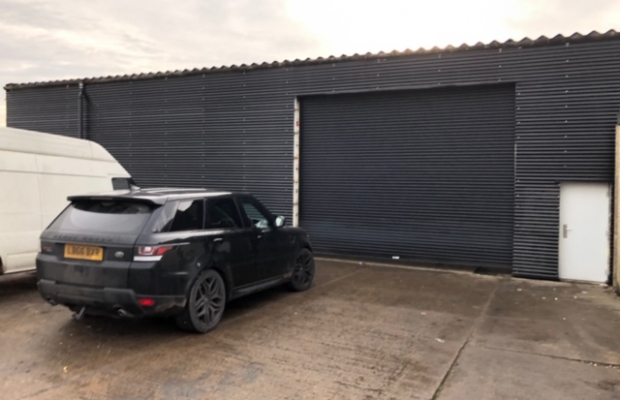 LARGE INDUSTRIAL UNIT TO LET - BEVERLEY