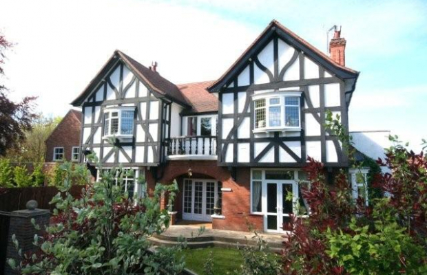 Gorgeous 5 bedroom detached house TO LET